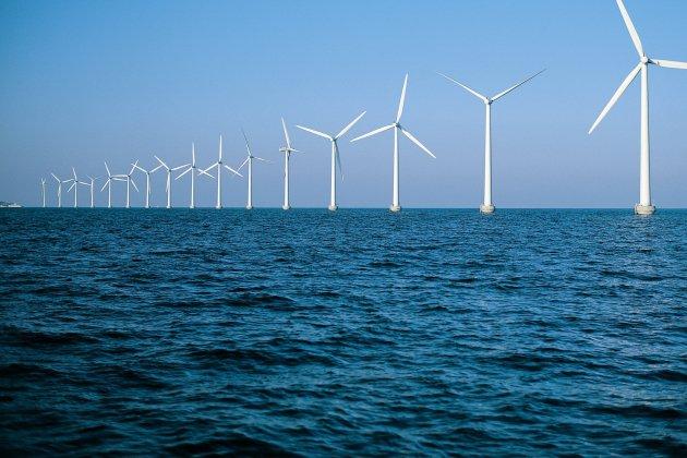 Le débat public sur un nouveau parc éolien en mer suspendu