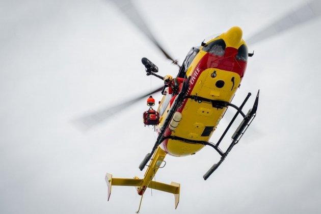 Un marin malade à bord d'un navire de commerce héliporté vers l'hôpital