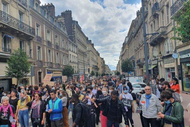 Hommage à George Floyd: la mobilisation moins forte que le 5 juin