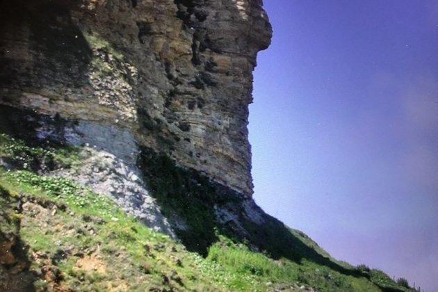 Un homme qui voulait se suicider du haut d'une falaise secouru