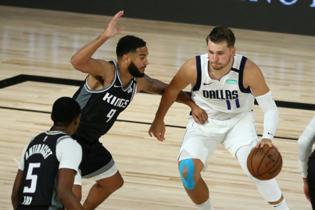 NBA: Doncic en mode record porte Dallas, Phoenix s'offre les Clippers