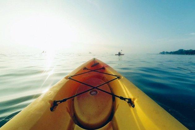 Un jeune homme de 20 ans tombe d'un kayak et meurt noyé