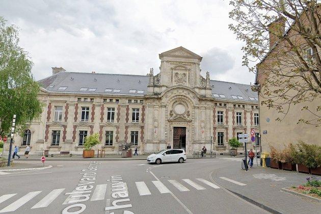Agression sexuelle sur mineurs, un ex-directeur d'école condamné