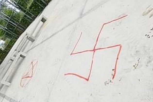 La Ville porte plainte après la découverte de tags et de croix gammées