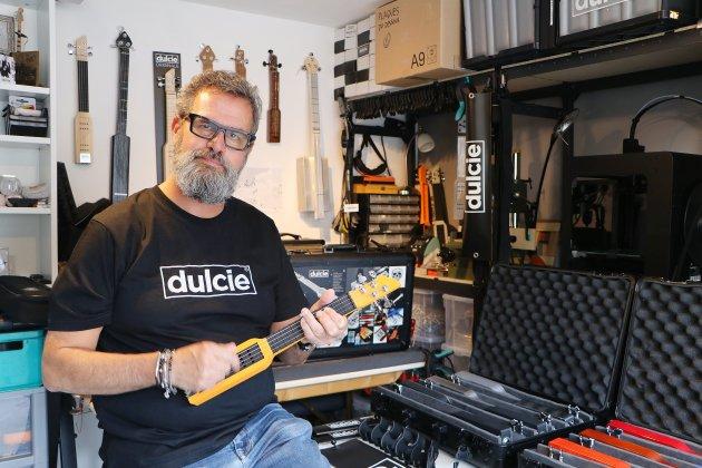 Dulcie, la guitare miniature et nomadeunique au monde