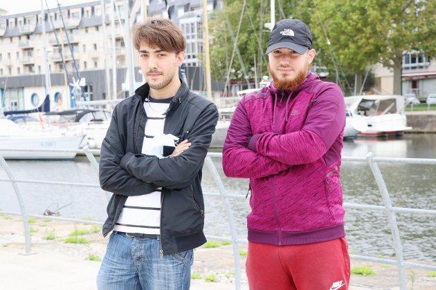 Trois jeunes veulent créer un club de catch normand