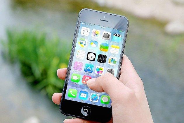 Un moratoire pour suspendre l'installation de la 5G crée le débat