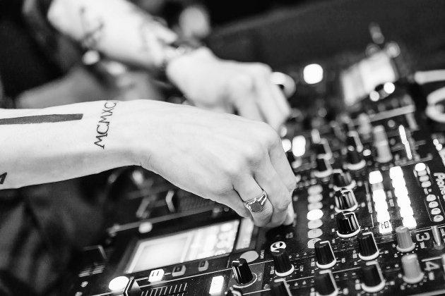 La justice suspend l'interdiction de la musique faceà la Covid