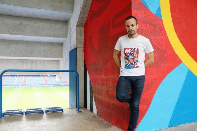 Des ghettos au stade d'Ornano, il utilise l'art comme lien social