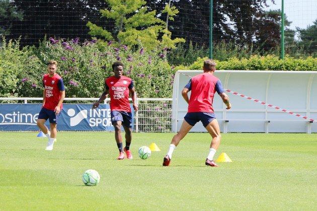 Le SM Caen touché par la Covid-19: deux joueurs testés positifs