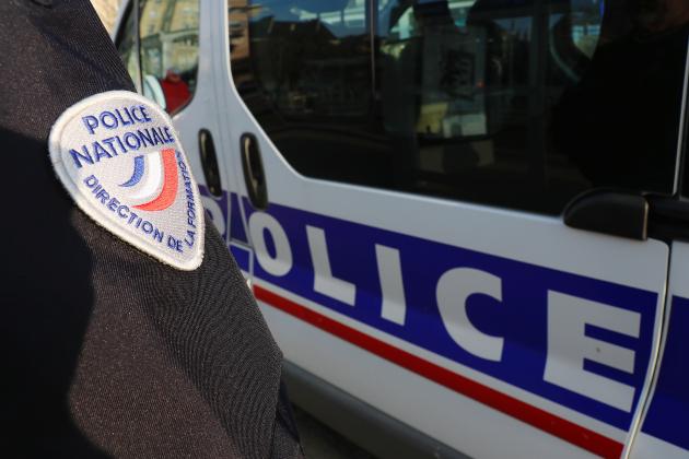 Ils mettent le feu à un collecteur de vêtements: deux jeunes arrêtés