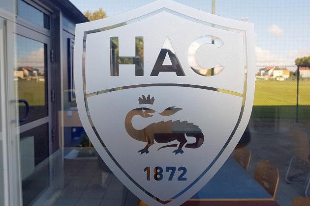 Des voitures des joueurs du HAC vandalisées à l'aéroport d'Octeville