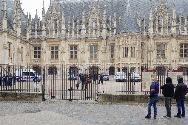 Alerte à la bombe: le palais de justice évacué