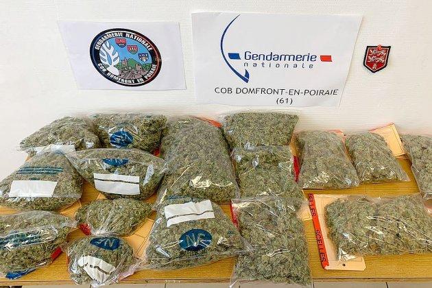 Les gendarmes saisissent plus d'un kilo de cannabis