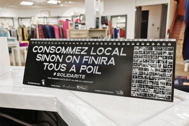 """Consommez local, sinon on finira tous à poil"": le calendrier"