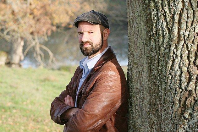 Edouard Cortès, exilé volontaire en haut d'un arbre