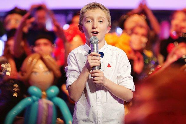 Julian, 10 ans, réalise son rêve en participant à l'émission téléN'oubliez pas les paroles