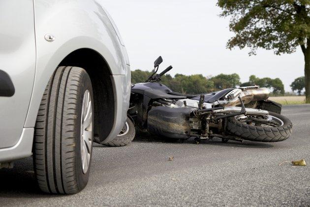 Un jeune de 18 ans blessé dans un accident de deux-roues