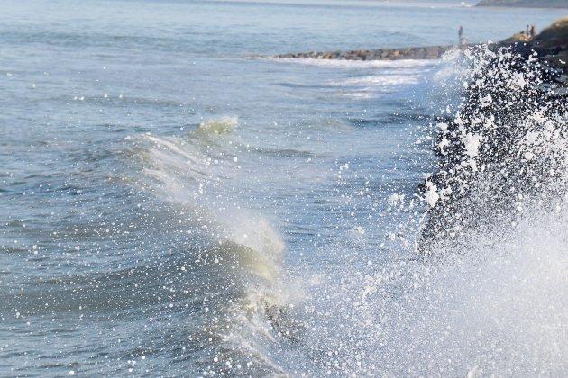 Normandie. Prudence: la mer de la Manche agitée pendant plusieurs jours