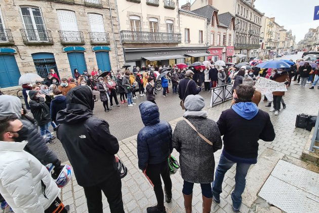 [Vidéo] Alençon. Près de 300 personnes rassemblées en hommage à Laura Tavarès