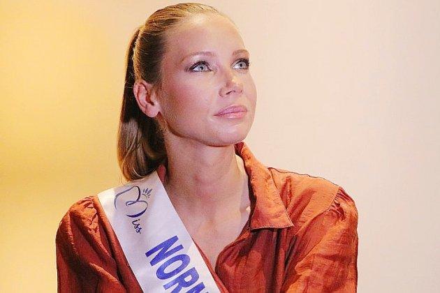 Miss France, Amandine Petit, s'affiche avec un champion du monde