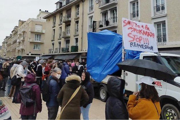 Un millier de personnes dans les rues contre la loi sécurité globale