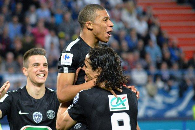 Football (Coupe de France). Les stars du Paris Saint-Germaindébarquent à Caen
