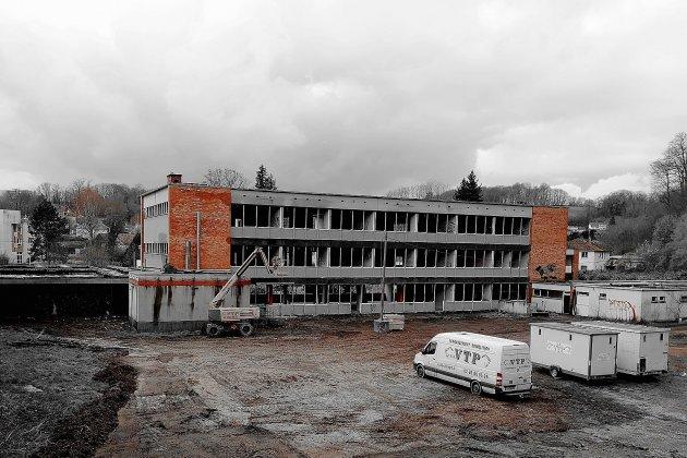 La démolitionde l'ancien collègea débuté