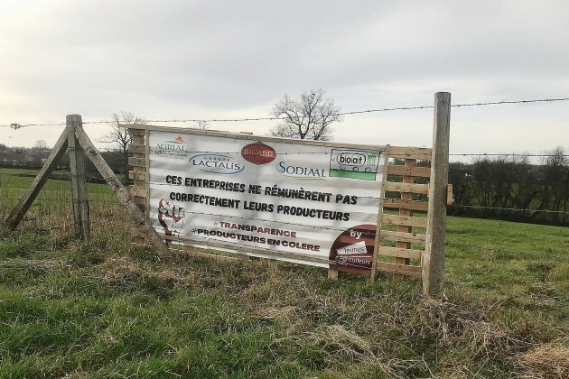 Les agriculteurs manchois en colère contre les transformateurs