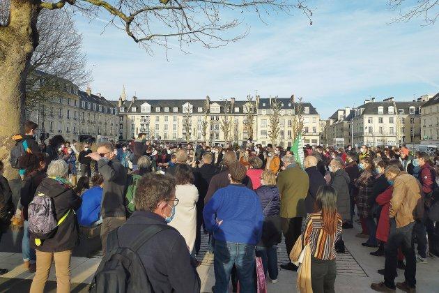 Arbres abattus: 200 manifestants réunis pour exprimer leur colère