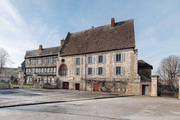 La Mission Bern sélectionne le château du Neubourg
