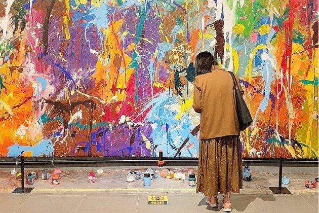 Deux Coréens saccagent une œuvre d'art sans le savoir