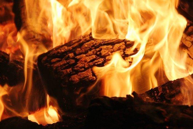 Un feu de cheminée se propage aux combles