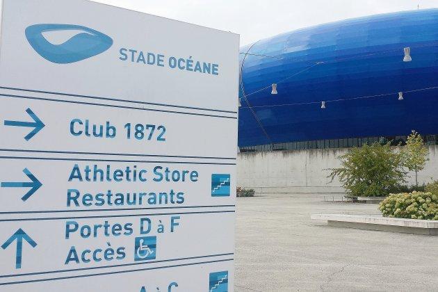 Football féminin: France-USA au Stade Océane