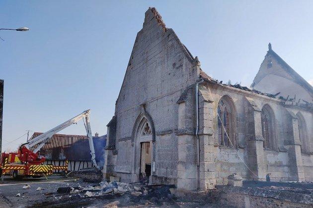 Un incendie ravage l'église de Romilly-la-Puthenaye