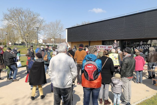 Près de Caen. Une centaine de manifestants contre l'implantation d'Amazon