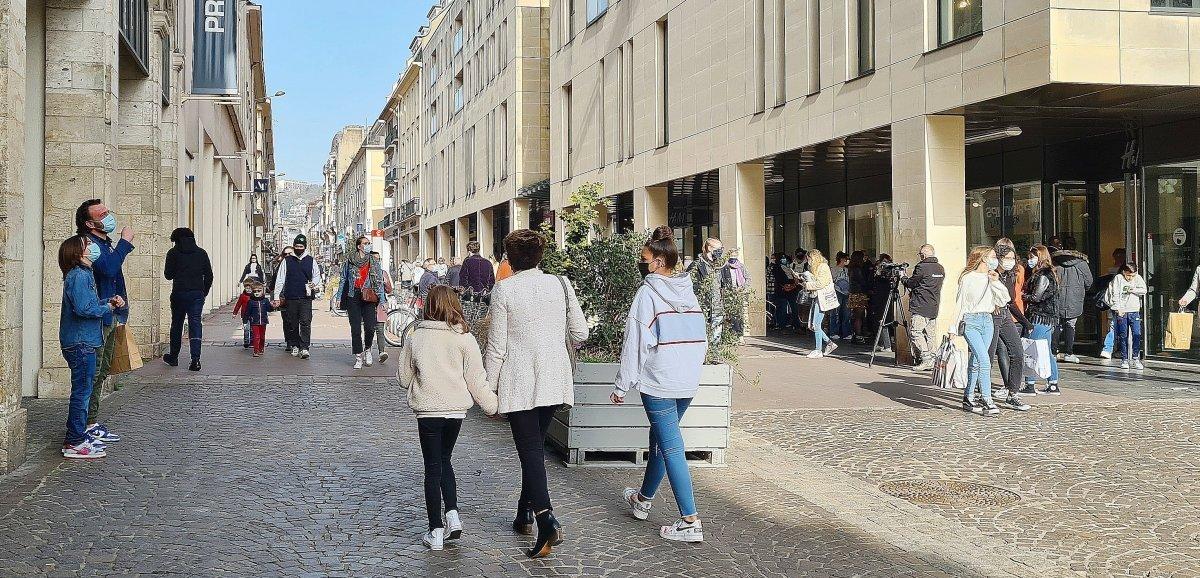Braderie, piétonnisation et animations: Rouen aide audéconfinement