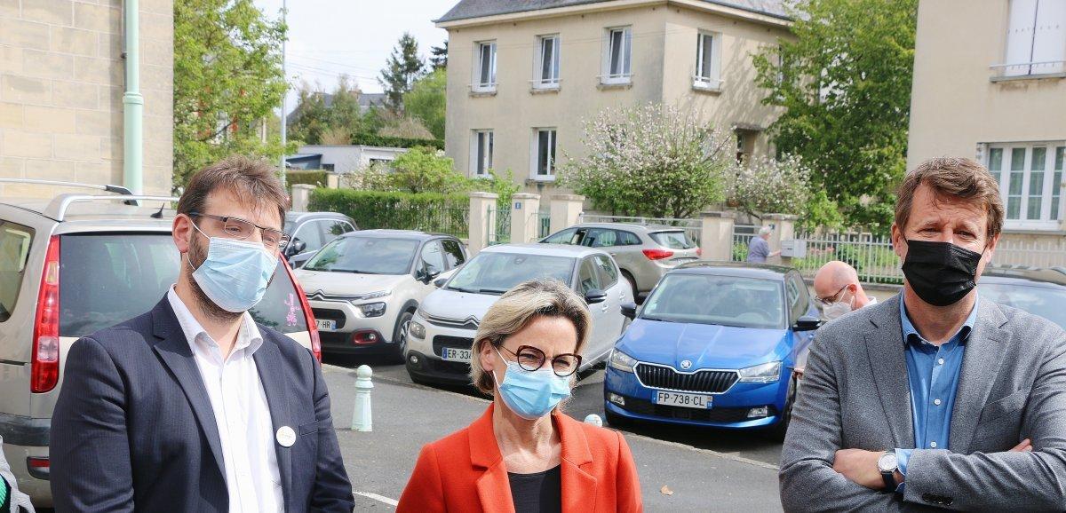 L'eurodéputé Yannick Jadot en visite à Aunay-sur-Odon
