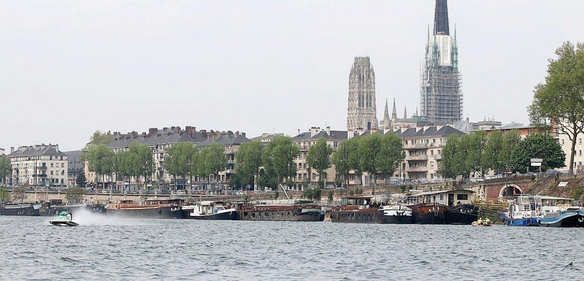 """Eaux sales en Seine: """"Aucune pollution identifiée"""", assure la préfecture"""