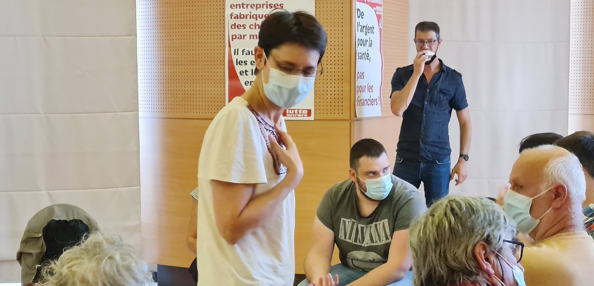 Nathalie Arthaud apporte son soutien à Pascal Le Manach à Rouen