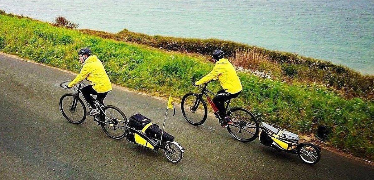 Ils font Cherbourg-Sète à Vélo pour chanterBrassens aux enfants