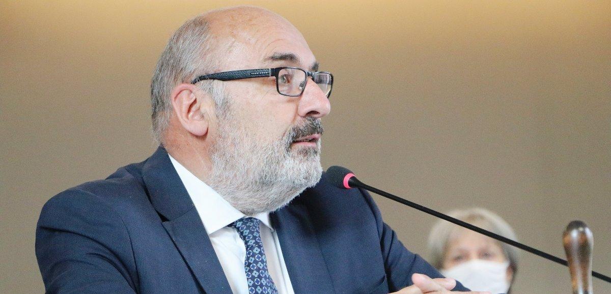 Jean-Léonce Dupont réélu à la tête du Département
