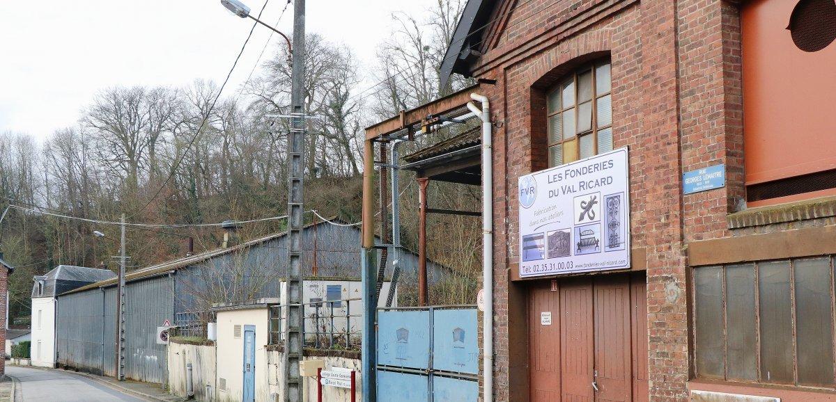 Un feu de détritus se déclare dans l'ancienne fonderie du Val Ricard
