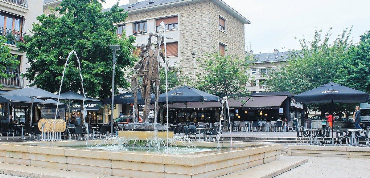 Rouen. Le Socrate et la fraîcheur de la fontaine