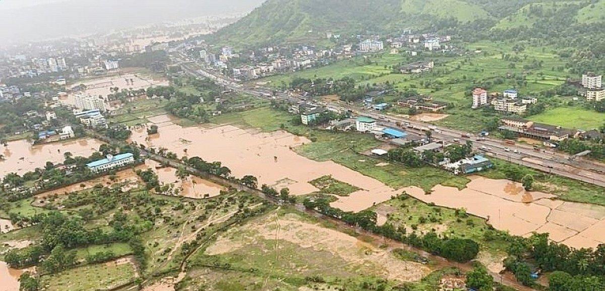 Inde: 45 morts dans des glissements de terrain, les recherches continuent