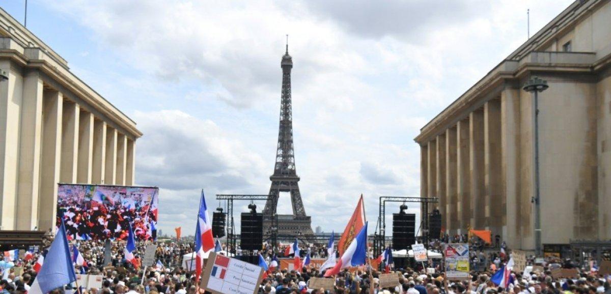Manifestations anti pass sanitaire: 161.000 manifestants en France, dont 11.000 à Paris