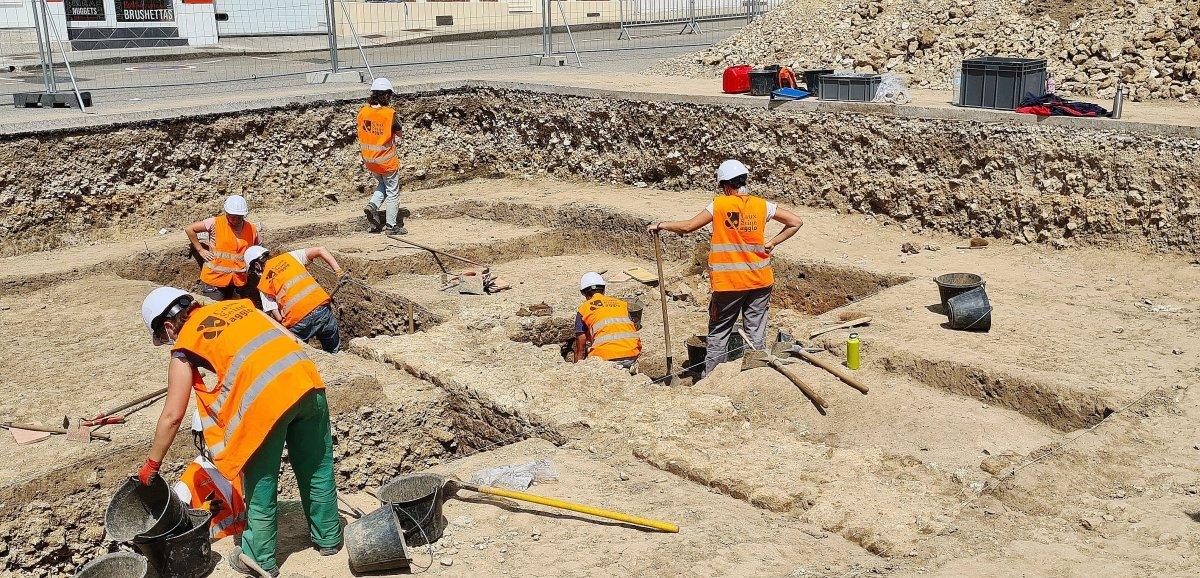 De belles découvertes sur le chantier de fouilles archéologiques
