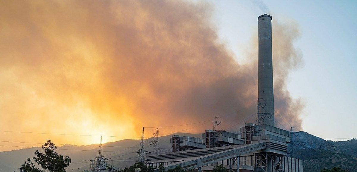 Turquie: des centaines d'évacués, le feu aux portes d'une centrale thermique