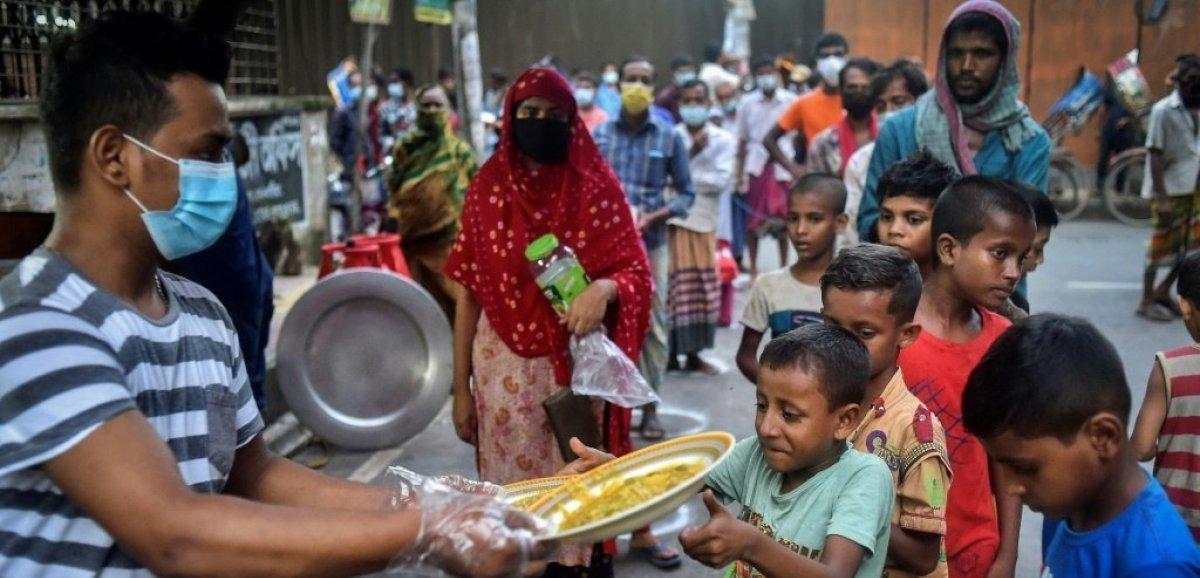 Pandémie au Bangladesh: les cantines gratuites se raréfient, mais pas les affamés