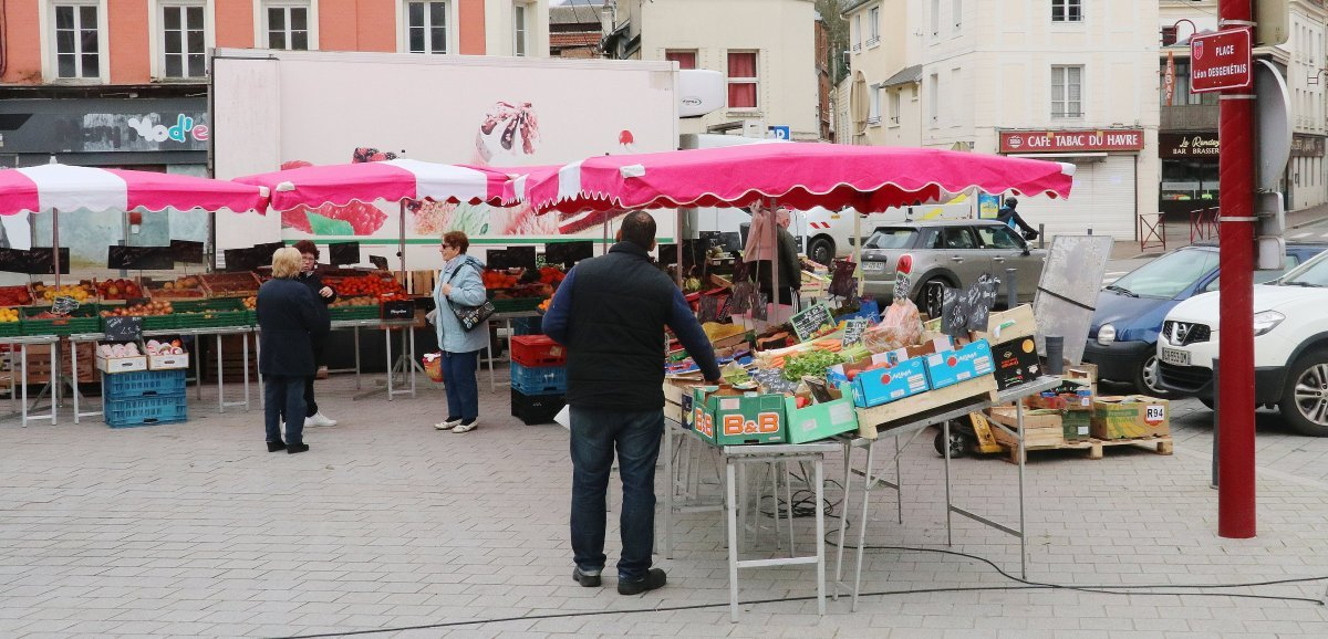 Bolbec. Un stand de vaccination sur le marché, une première